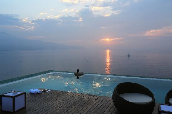 Bể bơi trên tầng thượng ở Đà Nẵng