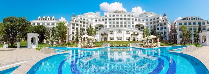 Bể bơi 4 mùa tại Vinpearl Ha Long Bay Resort